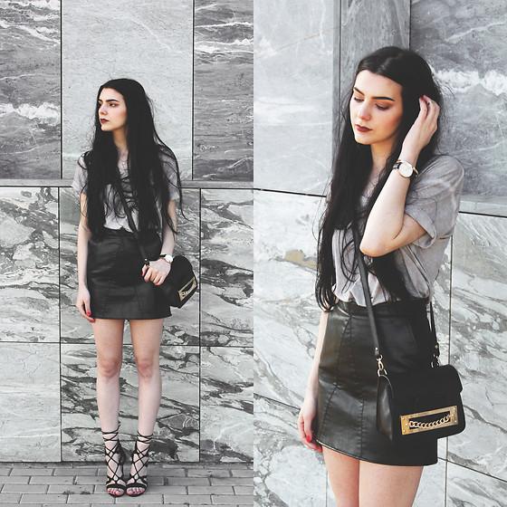 灰色T黑色皮裙系带高跟鞋.jpg
