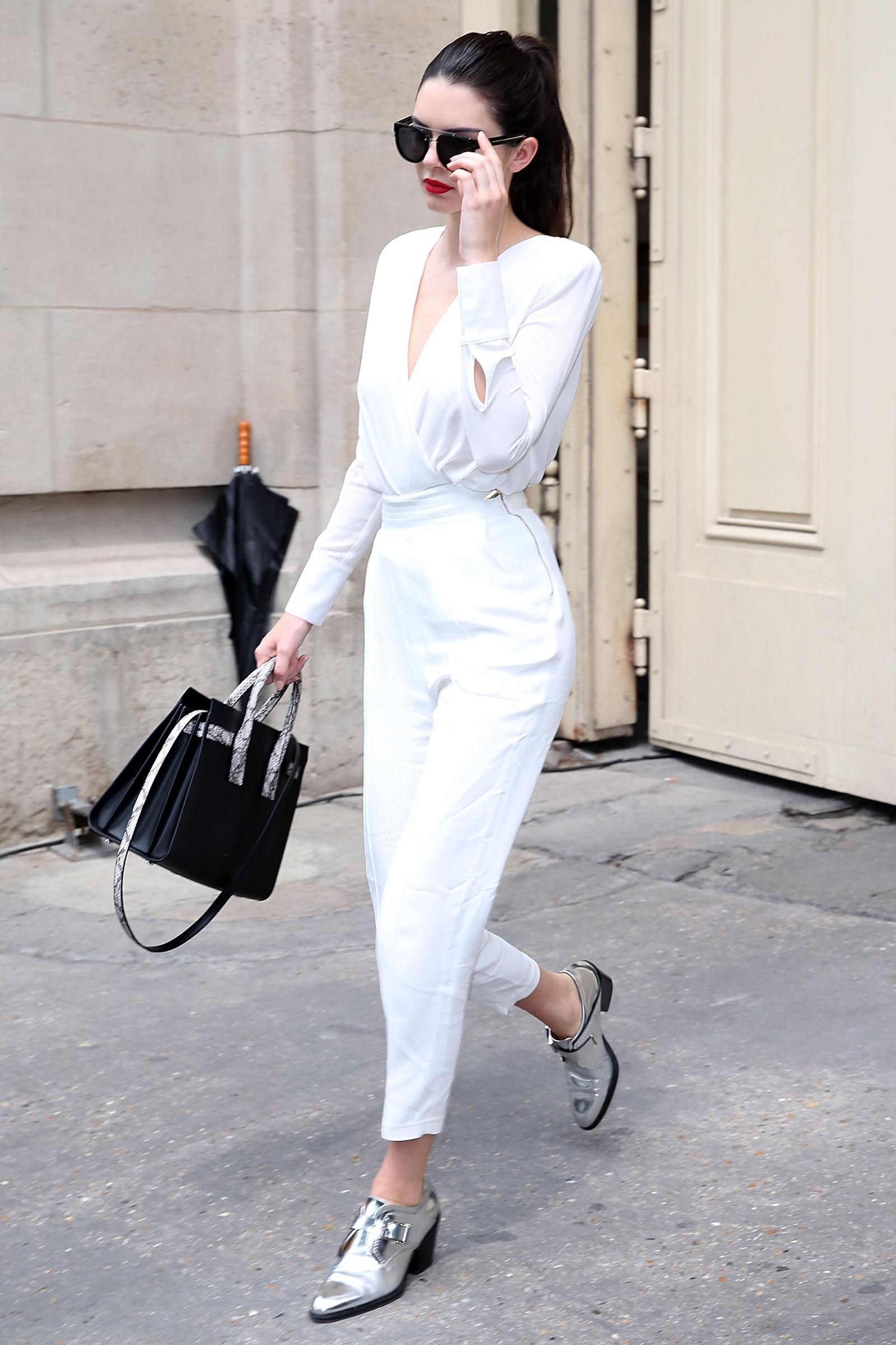 白色裤子全白.jpg